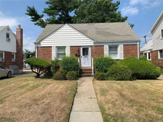 Photo of 6 Mead Ave  Hicksville  NY