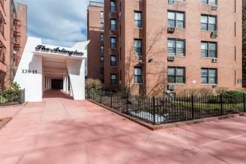 Photo of 13915 83 Ave  Briarwood  NY
