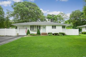Photo of 51 Fisher Rd  Commack  NY