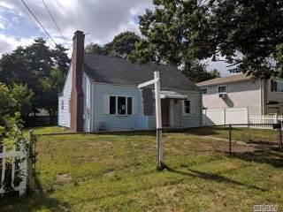1076 Mahopac Rd, W. Hempstead, NY 11552