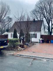 Photo of 15 Anne Lane 15  Central Islip  NY