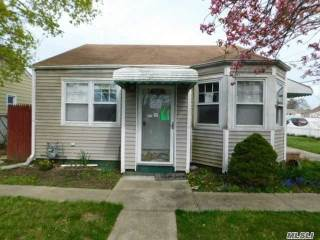 Photo of 52 Wilson Ave  Amityville  NY