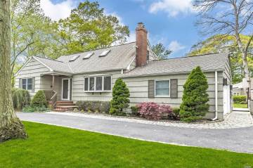 Photo of 455 Lombardy Blvd  Brightwaters  NY
