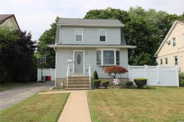 Photo of 2769 Marion St  Bellmore  NY