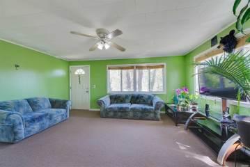 24 E Hillover Rd, Hampton Bays, NY 11946
