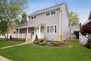 Photo of 31 Grove St  Hicksville  NY