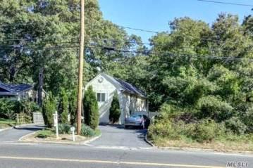 Photo of 659 Waverly Ave  Holtsville  NY