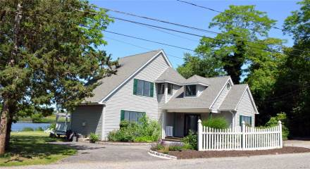 Photo of 31 River Ave  Eastport  NY