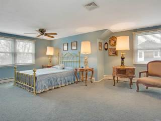 27 W Concourse, Brightwaters, NY 11718