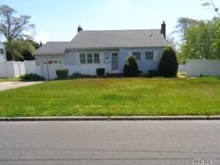 Photo of 205 Bayview Ave  Bayport  NY