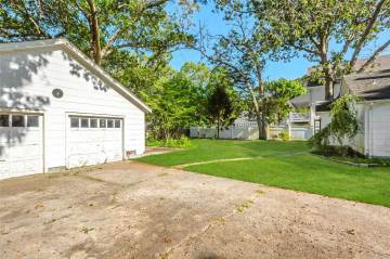 44 Meeting House Cr Rd, Aquebogue, NY 11931
