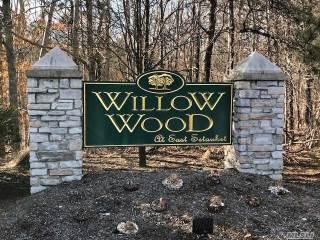 Photo of 39 Willow Wood Dr  E Setauket  NY