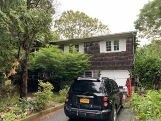 Photo of 3 Wards Path  Hampton Bays  NY