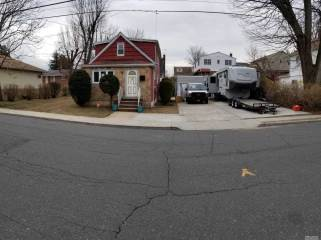 Photo of 141 Frederick Ave  S Floral Park  NY