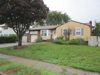 Photo of 89 Burlington Ave  Deer Park  NY