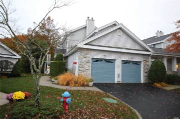 Photo of 503 Oak Bluff Ct  Moriches  NY