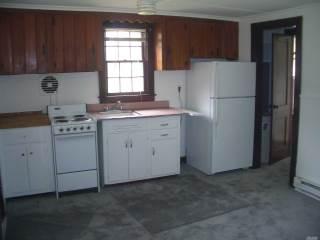355 Bay Rd, Greenport, NY 11944