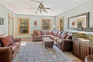 180 Grathwohl Rd, New Suffolk, NY 11956