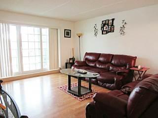 1050 North Farnsworth Avenue, Aurora, IL 60505
