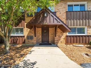 Photo of 2200 Arbor Circle  DOWNERS GROVE  IL