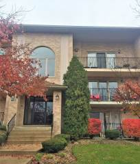 4413 Pershing Avenue, Downers Grove, IL 60515