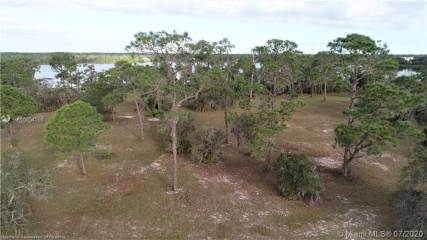 Photo of 4048 Camp Shore Drive  Sebring  FL