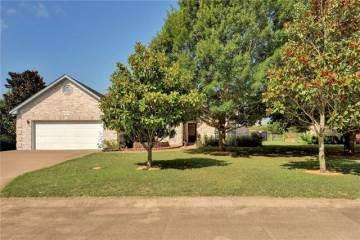 115 Fairway Ct, Bastrop, TX 78602