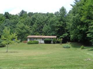 112 Pinewood Drive, Shady Spring, WV 25918