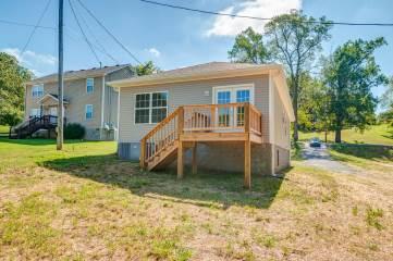 526 Center Ave, Dickson, TN 37055