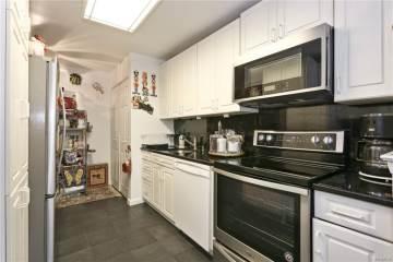 30 Greenridge Avenue, White Plains, NY 10605