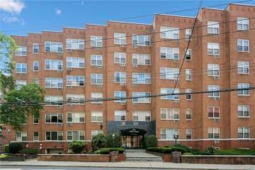 Photo of 10 Lake Street  White Plains  NY