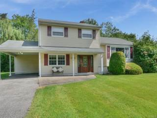 Photo of 160 Violet Drive  Pearl River  NY