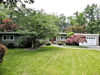 Photo of 996 Old White Plains Road  Mamaroneck  NY