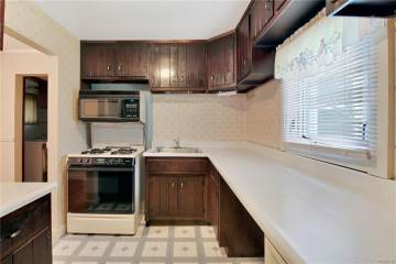 53 Knollcrest Road, Carmel, NY 10512