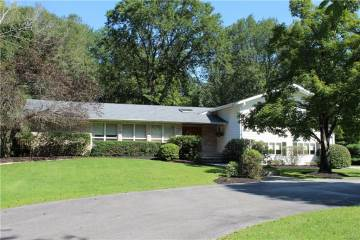 Photo of 49 Dogwood Crossing  Middletown  NY