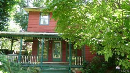 Photo of 61 9th Ave SEA CLIFF NEW YORK  call Listing Agent  NY