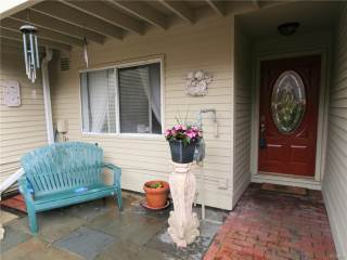 40 Waterside Close, Eastchester, NY 10709-5654