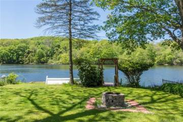 Photo of 81 Kitemaug Road  Montville  CT
