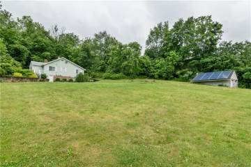 Photo of 26 Mohican Road  Middlefield  CT