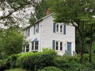 Photo of 132 Pequot Avenue  Fairfield  CT