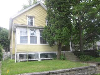 16 Clements Street, Waterford, CT 06385