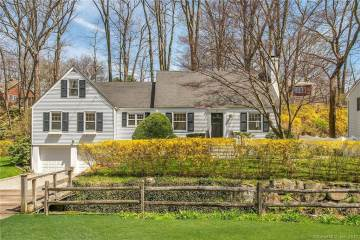 Photo of 31 Center Drive  Greenwich  CT
