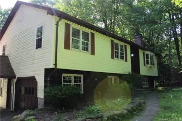 Photo of 83 Maillet Lane  New Hartford  CT