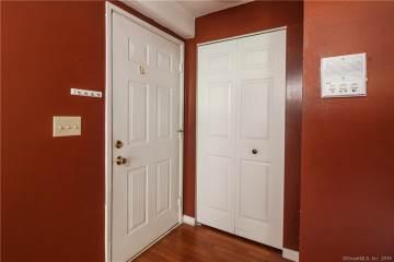 82 Longview Street, Waterford, CT 06385