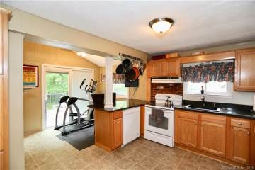 9 Sioux Road, Middlefield, CT 06455