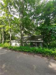 Photo of 18 Passiac Road  Middlefield  CT