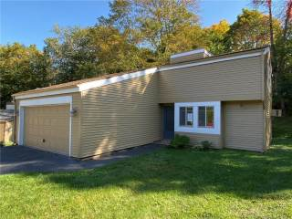 Photo of 17 East Lake Place  Middletown  CT