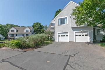 Photo of 10 Lilac Lane  Farmington  CT