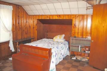 421 W Brooks Av, Clarksville, IN 47129