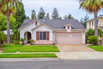 Photo of 3213 Dewar Ln  Turlock  CA